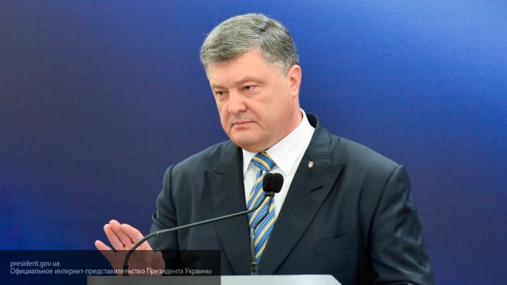 Президент Украины Петр Порошенко требует усилить давление на Россию