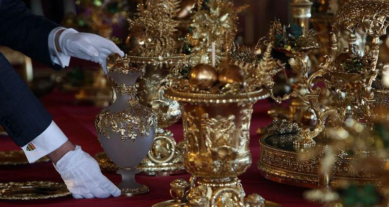 Рождество по-королевски: замок Елизаветы II украсили к празднику