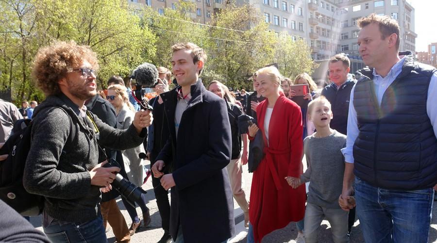 Почему Варламов, Навальный и другие российские оппозиционеры предали французов?