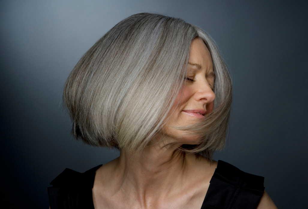 С этими дешевыми витаминами из аптеки ваши волосы будут сиять — в любом возрасте красотка