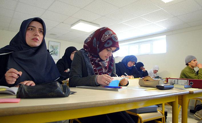 Le Figaro (Франция): В школах Франции набирает силу коммунитаризм... какая неожиданность!