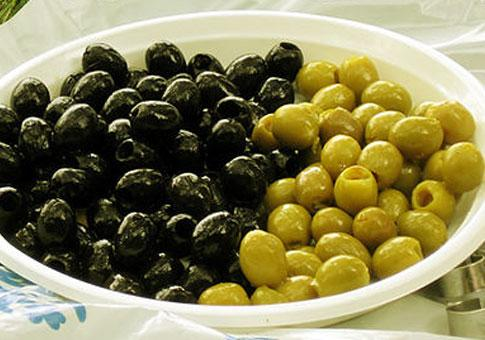 Используем маринад от маслин с пользей