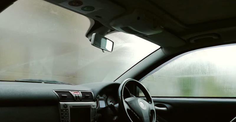 Простая в исполнении идея, как избежать запотевания окон в машине