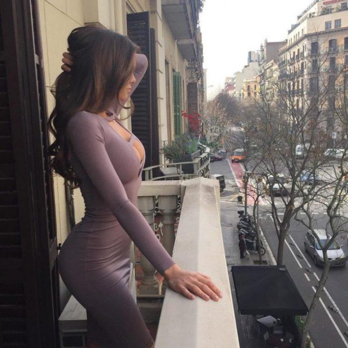 Красиво или вульгарно? 15 сексуальных девушек в экстремально обтягивающих платьях