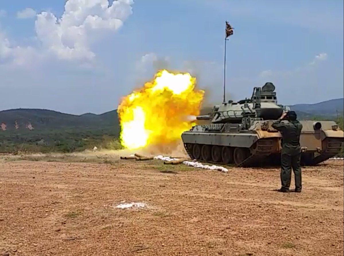 Служба и быт венесуэльских танкистов
