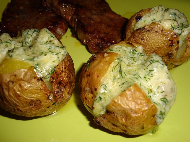 Шикарный гарнир - запечённая в духовке картофель с сыром