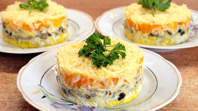 Нежный салат из баклажанов - видео рецепт