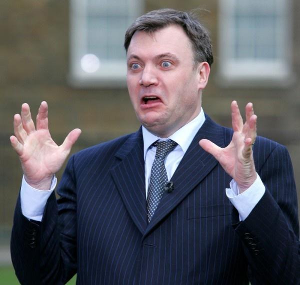 Прикол дня. И это - претендент на пост премьер-министра Великобритании? Сюр...