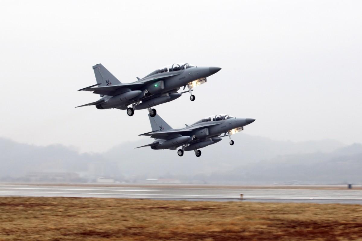 Таиланд получил первые два южнокорейских самолета Т-50ТН
