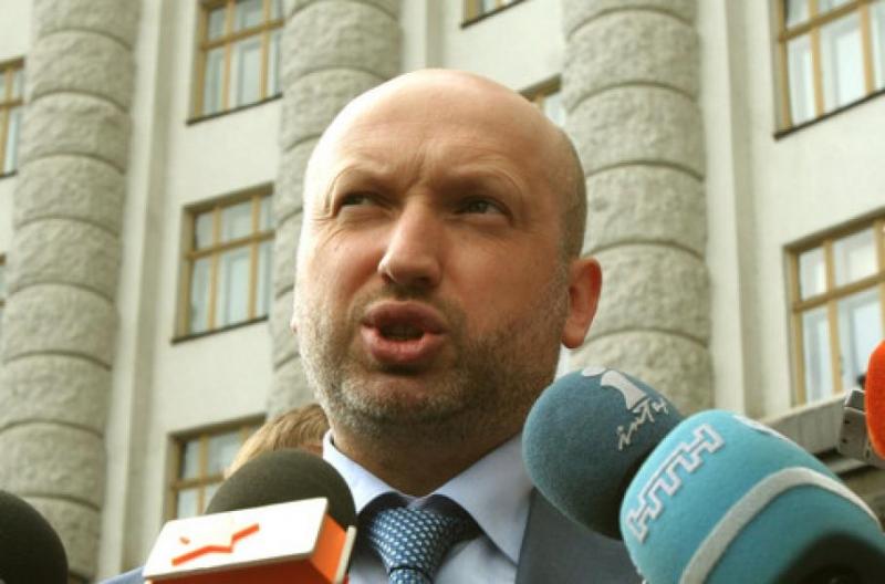 """Турчинов заявляет, что новый закон сделает любое сотрудничество с Россией """"госизменой"""""""