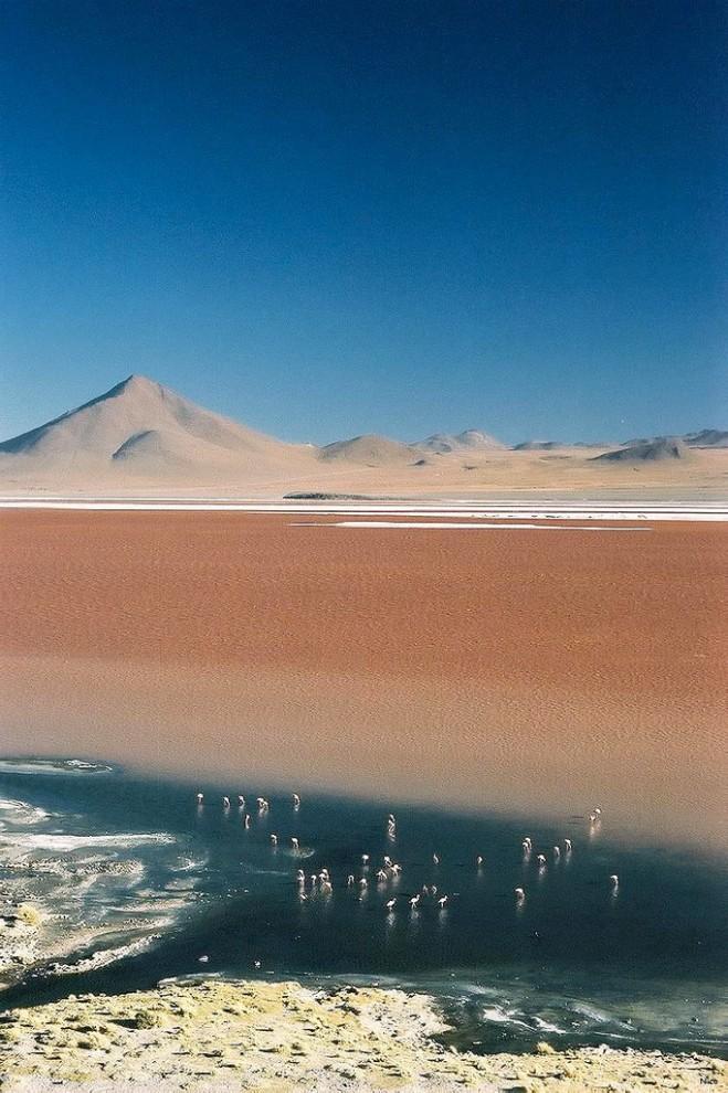 Соленое озеро в Боливии
