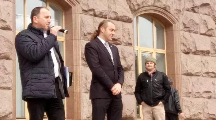 Киевский депутат предложил бить батогом за русскую речь