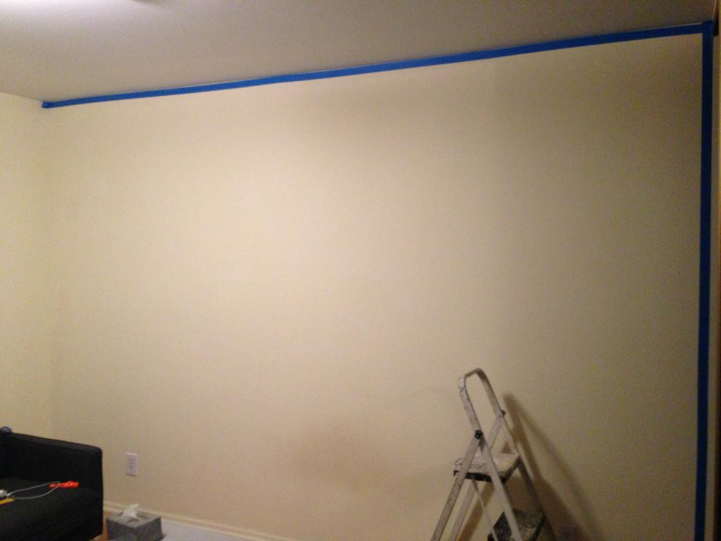 Как IT-шник декорировал стену в комнате