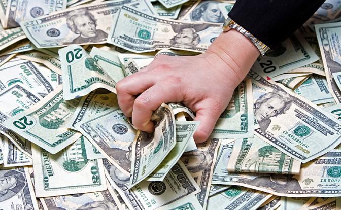 Украв в России триллионы, олигарх молит о пощаде Трампа