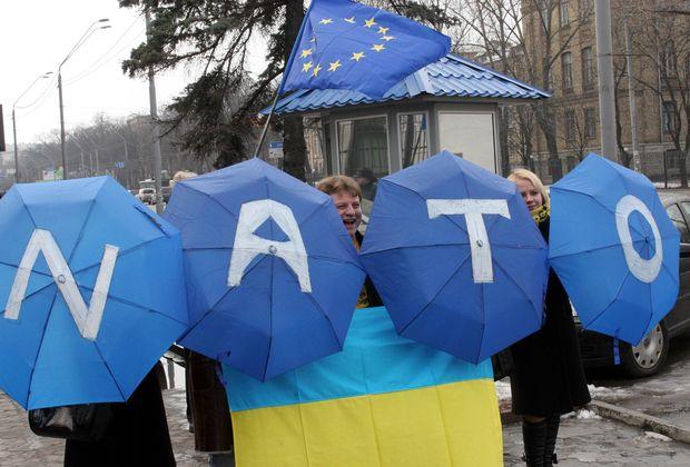 В «Оппоблоке» считают — чем дольше будет идти война на Донбассе, тем дольше Украина не сможет вступить в НАТО