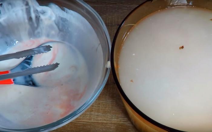 Переложите буженину из кефира в маринад со специями.