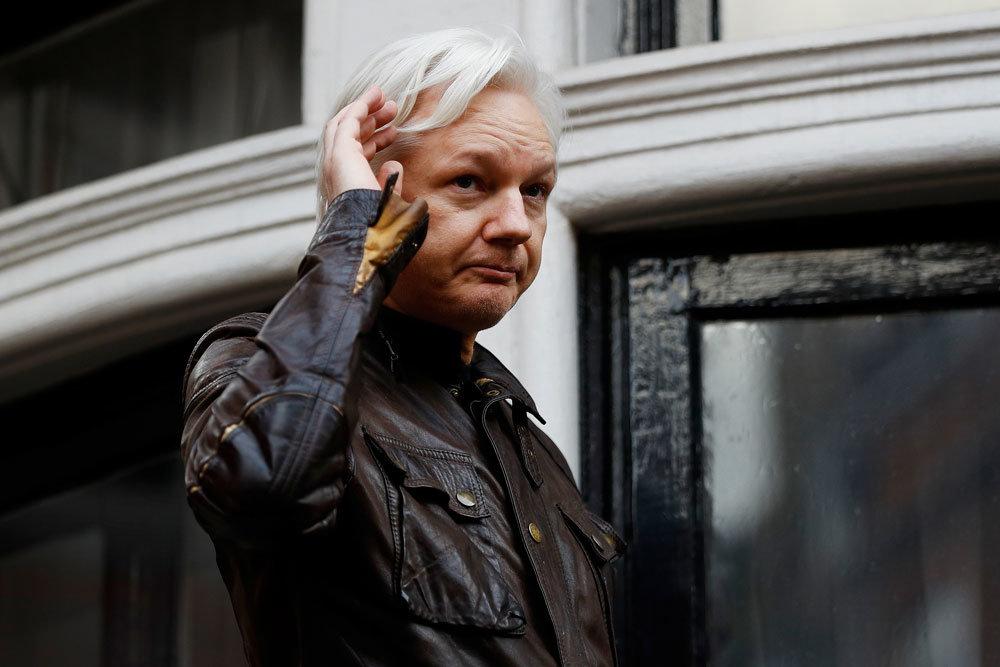 Основателя WikiLeaks пригласили в сенат США для дачи показаний