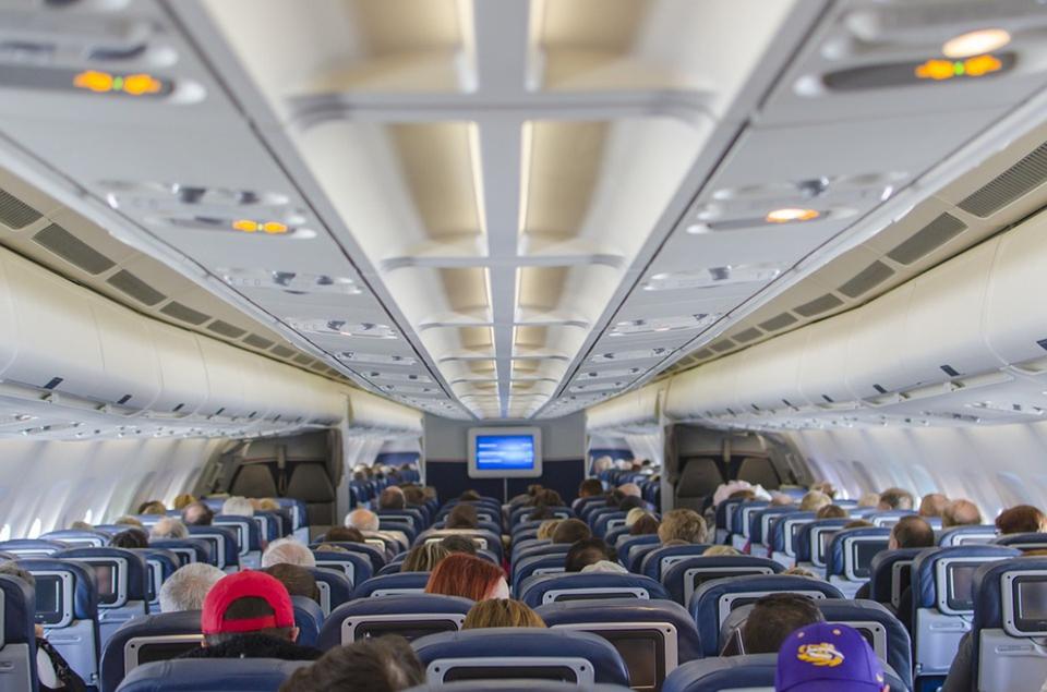 Из пассажирских самолетов хо…