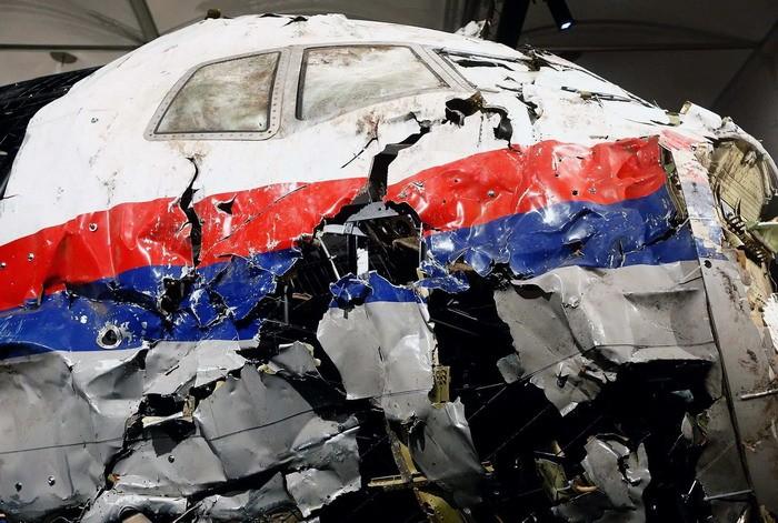 Порошенко лично отдал приказ сбить Boeing в Донбассе - бывший депутат Рады