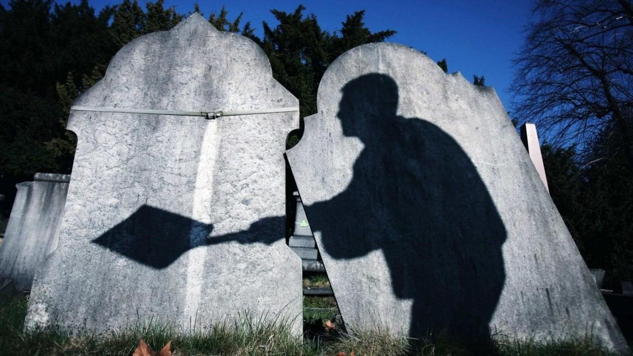 В Кемеровской области муж выкопал могилу для живой жены и попал под суд