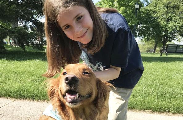 Девятилетний блогер прославился тем, что каждый день гладит собак