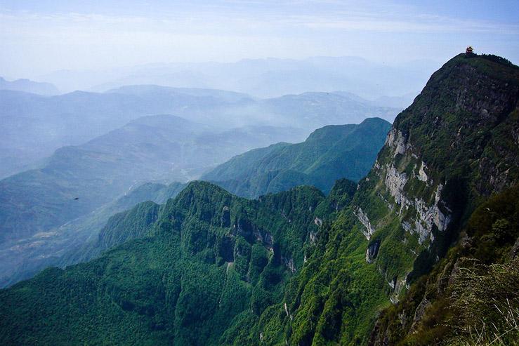 Гора Эмей-Шань (Эмейшань, Mount Emei)