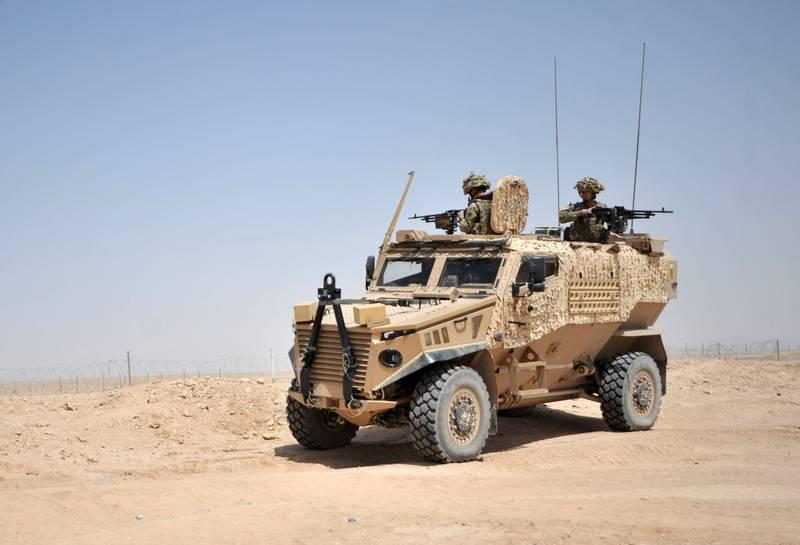 Греется и ломается. Британские военные раскритиковали броневик Foxhound