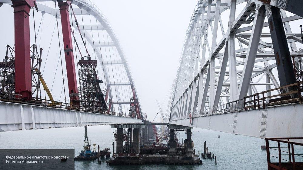 Опубликовано видео соединения таманской части моста в Крым с фарватерной аркой