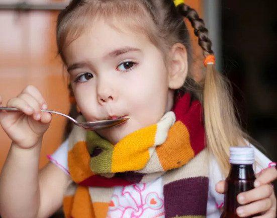 В каких случаях нельзя давать ребенку обезболивающее и жаропонижающее?