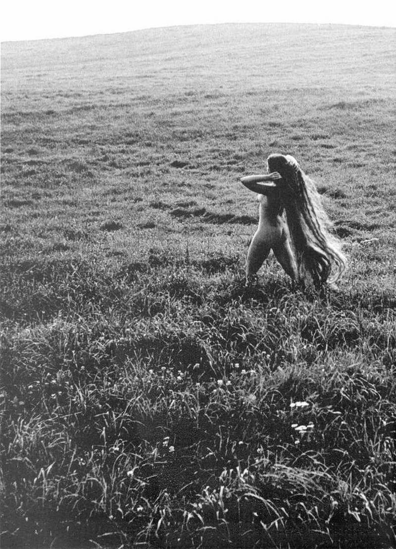 «Цветы среди цветов» Римантаса Дихавичюса – первые фотографии ню в СССР 2