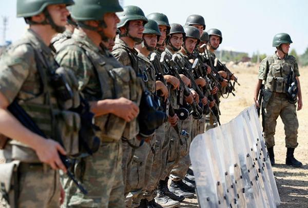 Турция отозвала 40 солдат сучений НАТО из-за фотографий «врага-Эрдогана»