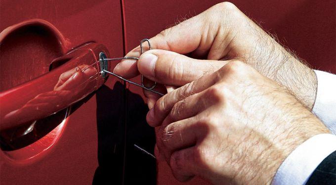 Как открыть машину своими руками