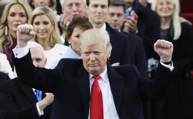 9 месяцев Трампа: Америка родила слабака с гранатой. Победа на выборах оказалась для нынешнего президента США пирровой