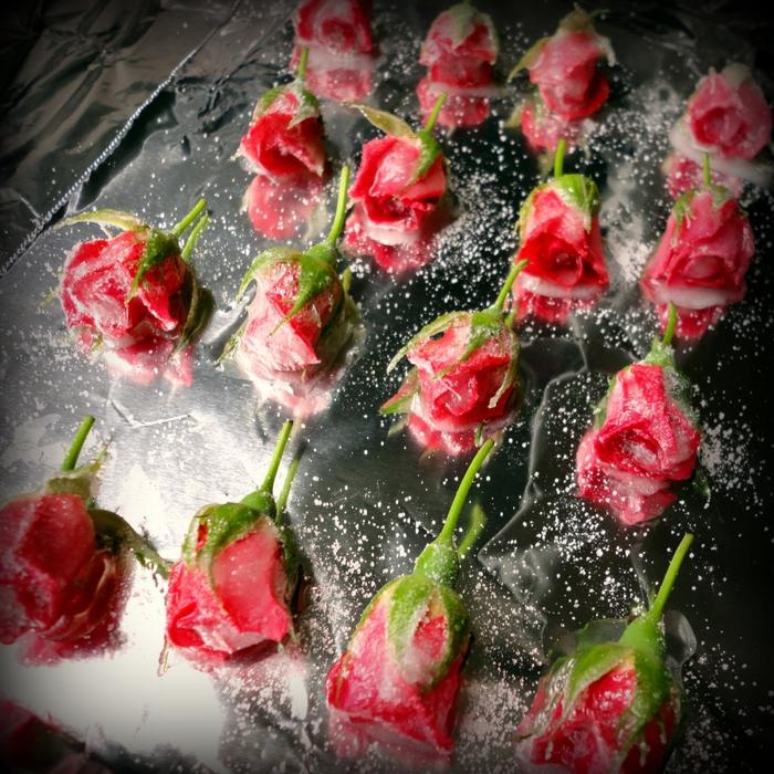 Засахаренные цветы для украшения блюд. Свинина с ананасами в кисло-сладком соусе