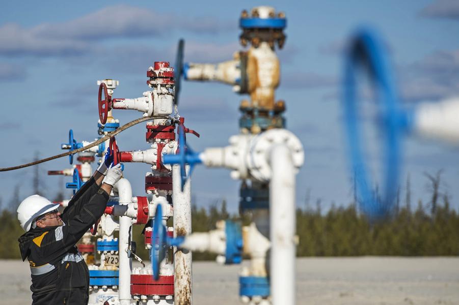 Нефть в России будет и через 19 лет. Министр Новак пообещал