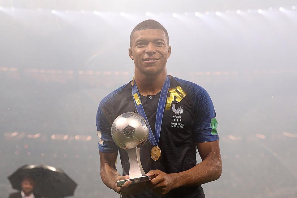 Футболист сборной Франции Мб…