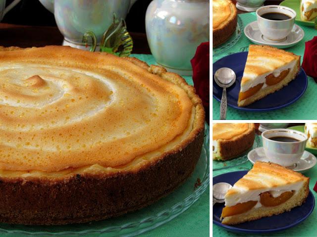 Пирог с абрикосами и сметанным суфле