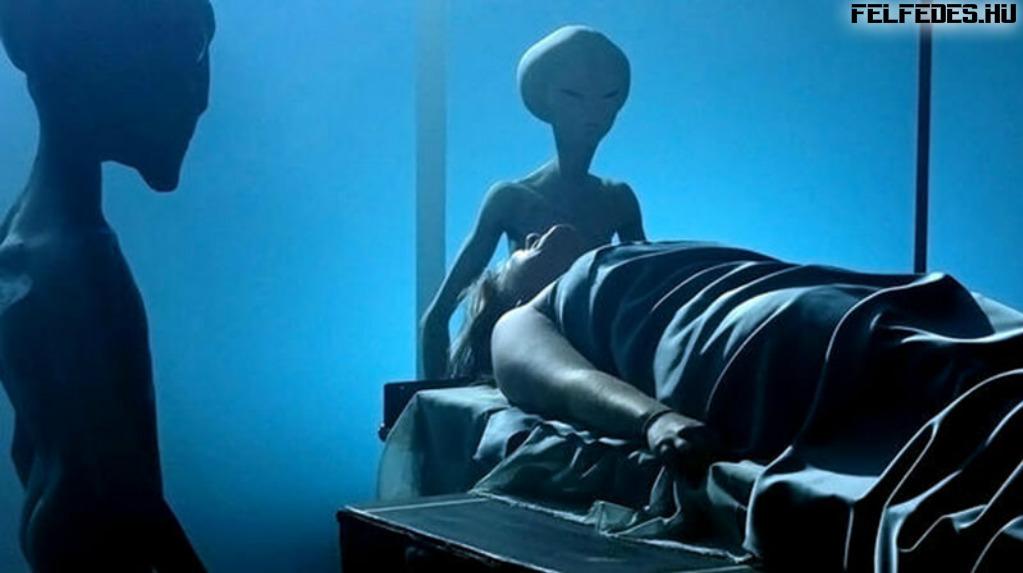Эту женщину пришельцы забрали на свой корабль, чтобы показать орбиту Земли