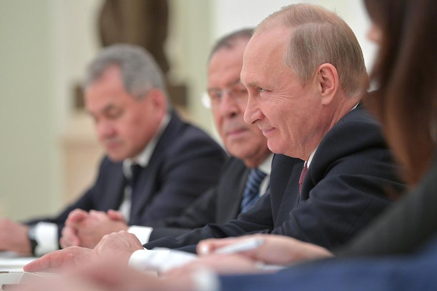 Путин улыбается. Россия и США договорились о встрече президентов