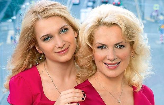 Конечно, можно поспорить в кого из родителей больше пошла Полина (ее отец Гоша Куценко), но то, что они с мамой очень похожи - это факт.