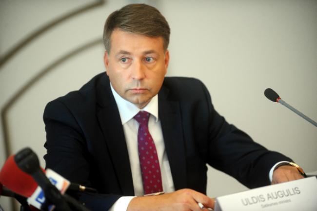 Латвия обратилась к России за помощью