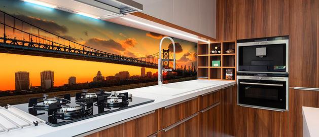 Кухня в цветах: серый, светло-серый, темно-коричневый, коричневый. Кухня в стилях: минимализм.