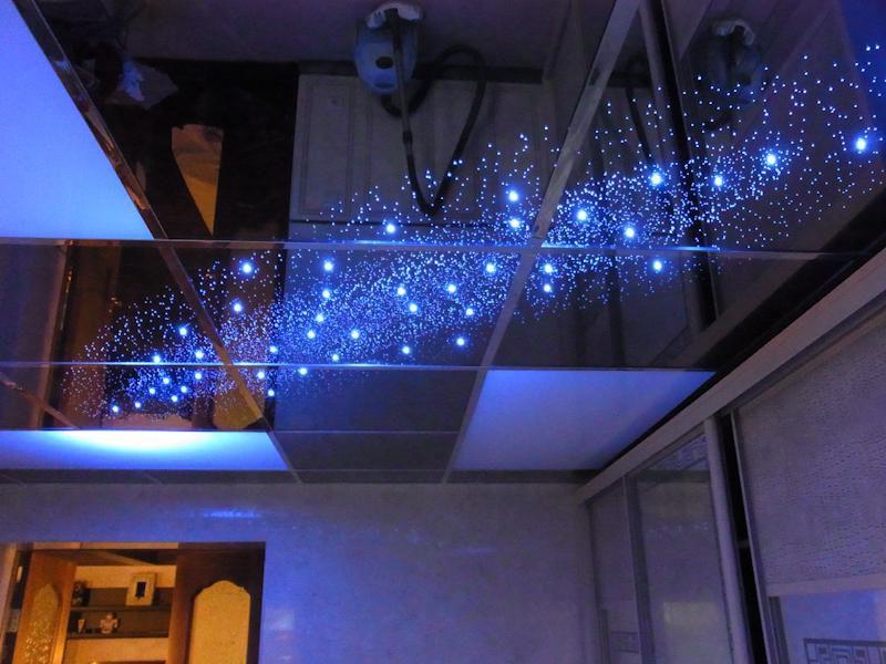 Зеркальный потолок: виды и возможность изготовления своими руками