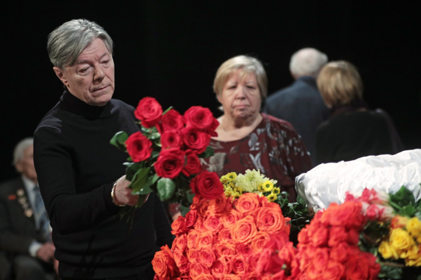 В страшных мучениях умер российский актер. Поклонники не могут поверить в такую скорую кончину