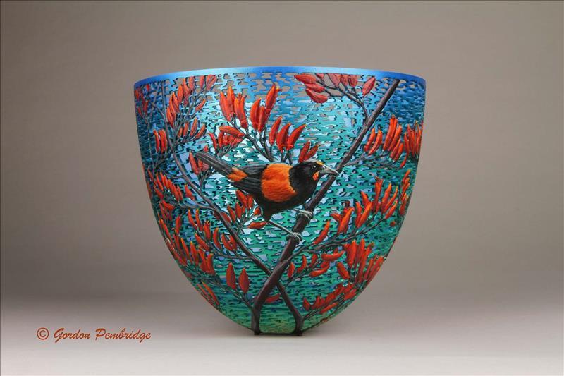 Деревянные вазы, декорированные карвингом от Гордона Пембриджа