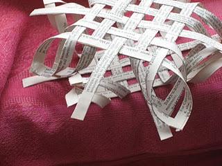 Ажурные снежинки из бумаги. Просто и быстро!