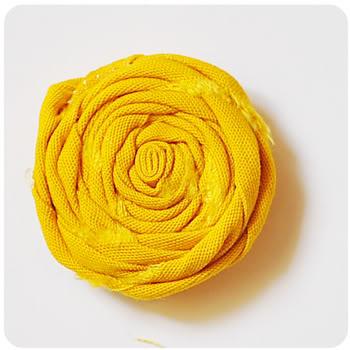 http://podarok-svoimi-rukami.ru/wp-content/uploads/2012/02/rolledflowers12.jpg