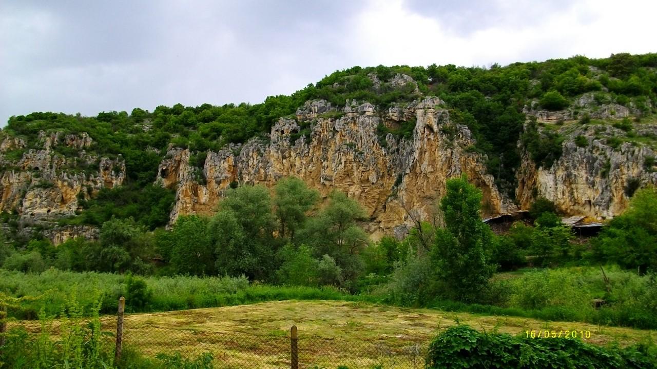 земля в деревня кошов,болгария 800 кв.м 2200 евро 00359878600910