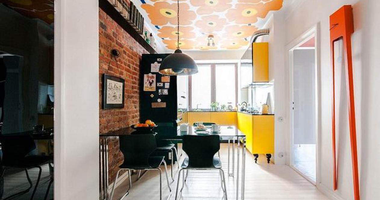 Гостиная, холл в цветах: светло-серый, бордовый, коричневый, бежевый. Гостиная, холл в стиле дальневосточные стили.