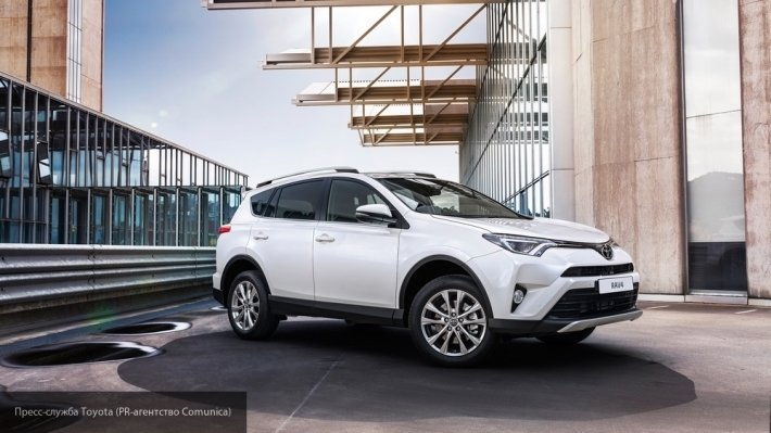 Кроссовер Toyota RAV4 стал бестселлером среди россиян в октябре